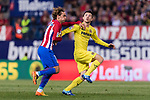 Antoine Griezmann of Atletico de Madrid (L) fights for the ball with Antonio Rukavina of Villarreal (R) during the La Liga match between Atletico de Madrid vs Villarreal CF at the Estadio Vicente Calderon on 25 April 2017 in Madrid, Spain. Photo by Diego Gonzalez Souto / Power Sport Images