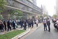SAO PAULO, SP, 10 DE FEVEREIRO 2012 - PROTESTO GCM - Um grupo de guardas civis municipais de São Paulo realiza uma caminhada até a Câmara dos Vereadores, no centro da cidade, na manhã de hoje. Eles pedem melhores salários e a aprovação do Projeto da Emenda Constitucional (PEC 534), que dispõe sobre a regulamentação dos Guardas Municipais em todo o país. (FOTO: ADRIANO LIMA - NEWS FREE).