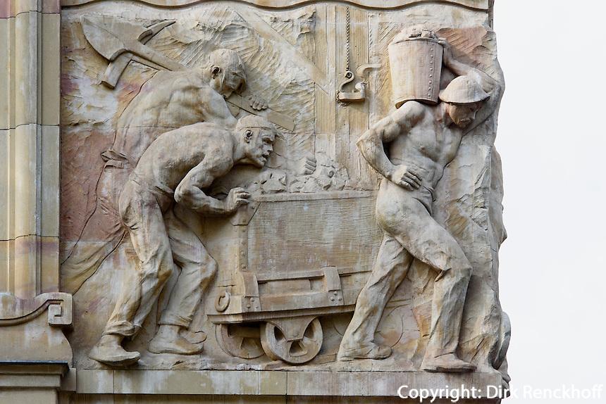 Relief an der Rückseite der ungarischen Nationalbank Hold u.2, Budapest, Ungarn