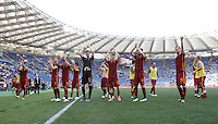 Calcio, Serie A: Lazio vs Roma. Roma, stadio Olimpico, 3 aprile 2016.<br /> Roma's players greet fans at the end of the Italian Serie A football match between Lazio and Roma at Rome's Olympic stadium, 3 April 2016. Roma won 4-1.<br /> UPDATE IMAGES PRESS/Isabella Bonotto