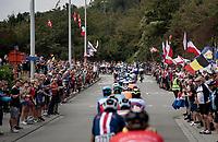 huge crowds up the Decouxlaan<br /> <br /> Elite Men World Championships - Road Race<br /> from Antwerp to Leuven (268.3km)<br /> <br /> UCI Road World Championships - Flanders Belgium 2021<br /> <br /> ©kramon