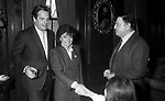 PATRIZIA REGGIANI GUCCI CON MASSIMO GARGIA E RAF VALLONE -   PRANZO A CASA PAOLA TRIBULSI NEW YORK 1982