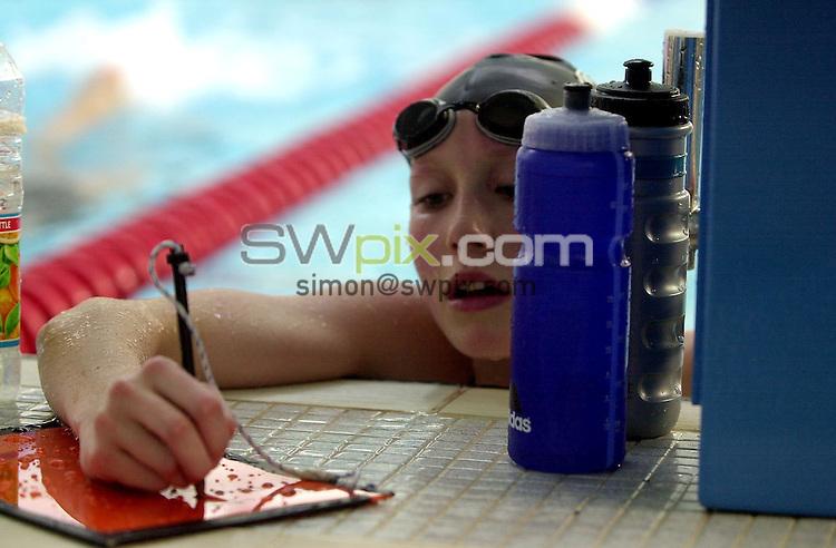 Pix: Matthew Lewis/SWpix.com. Swimming. National Youth Squad Swimming, Loughborough University. 25/10/2002...COPYRIGHT PICTURE>>SIMON WILKINSON>>01943 436649>>..Winchester City Penguins' Julia Beckett.