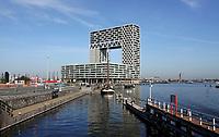 Nederland  Amsterdam  2020.   Nieuwbouw in de oude Houthaven aan het IJ. De Pontsteiger-toren. Foto : ANP/ HH / Berlinda van Dam