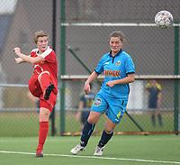 20180414 - DIKSMUIDE , BELGIUM : Diksmuide Merkem's Delphine Lins (R) and Kontich's Kim De Wambersie (L) pictured during a soccer match between the women teams of Famkes Westhoek Diksmuide Merkem and KFC Kontch  , during the 22th matchday in the 2017-2018  Eerste klasse - First Division season, Saturday 14 April 2018 . PHOTO SPORTPIX.BE | DIRK VUYLSTEKE