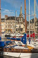 France, Calvados (14), Côte Fleurie, Honfleur, le port, le vieux bassin et la la lieutenance du Vieux-Bassin //   France, Calvados, Côte Fleurie, Honfleur, the port, the old basin and he Lieutenance of the Vieux Bassin (Old Basin)