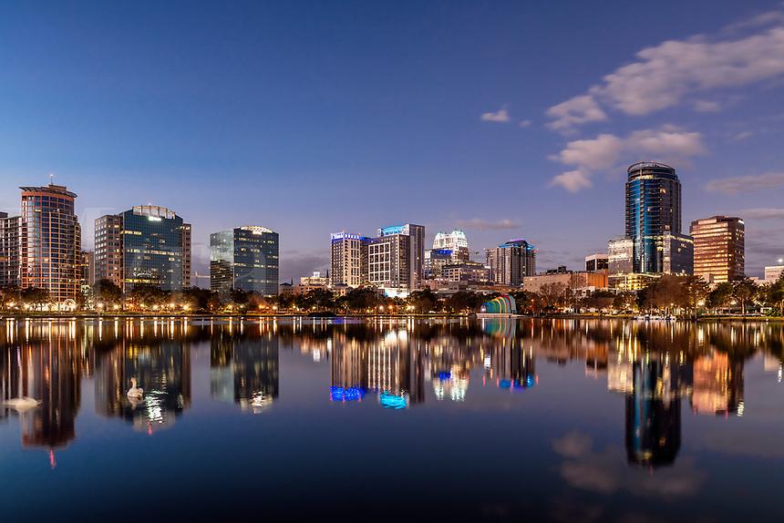 City skyline and Lake Eola, Orlando, Florida, USA.