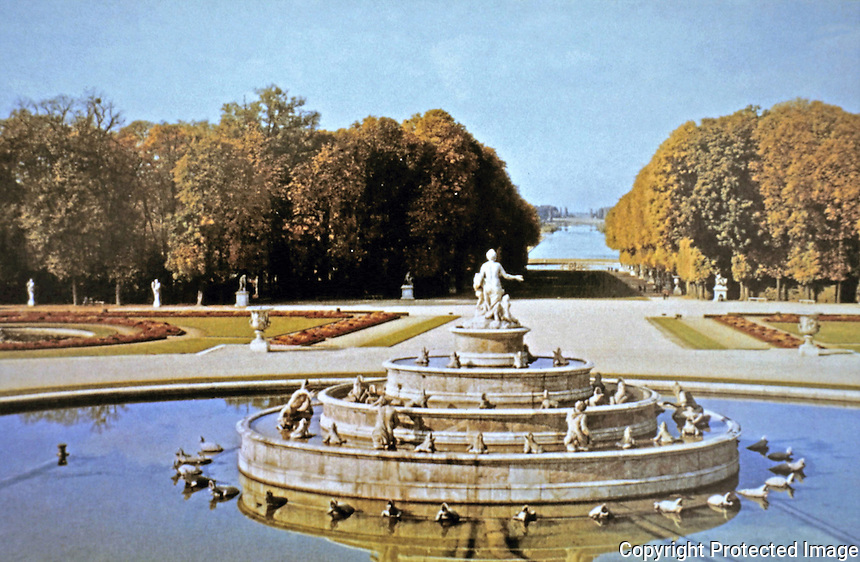 Palace of Versailles, Lake of Latone with water sculpture and walkways.