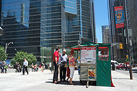 Toronto,  CANADA - File Photo - Downtown Toronto - hot dog stands<br /> <br /> Photo :  Agence Quebec Presse - Pierre Roussel
