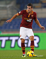 Calcio, Serie A: Roma vs ChievoVerona. Roma, stadio Olimpico, 31 ottobre 2013.<br /> AS Roma midfielder Kevin Strootman, of the Netherlands, in action during the Italian Serie A football match between AS Roma and ChievoVerona at Rome's Olympic stadium, 31 October 2013.<br /> UPDATE IMAGES PRESS/Riccardo De Luca