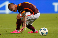 Calcio, Champions League, Gruppo E: Roma vs Barcellona. Roma, stadio Olimpico, 16 settembre 2015.<br /> Roma's Radja Nainggolan in action during a Champions League, Group E football match between Roma and FC Barcelona, at Rome's Olympic stadium, 16 September 2015.<br /> UPDATE IMAGES PRESS/Riccardo De Luca<br /> <br /> *** ITALY AND GERMANY OUT ***