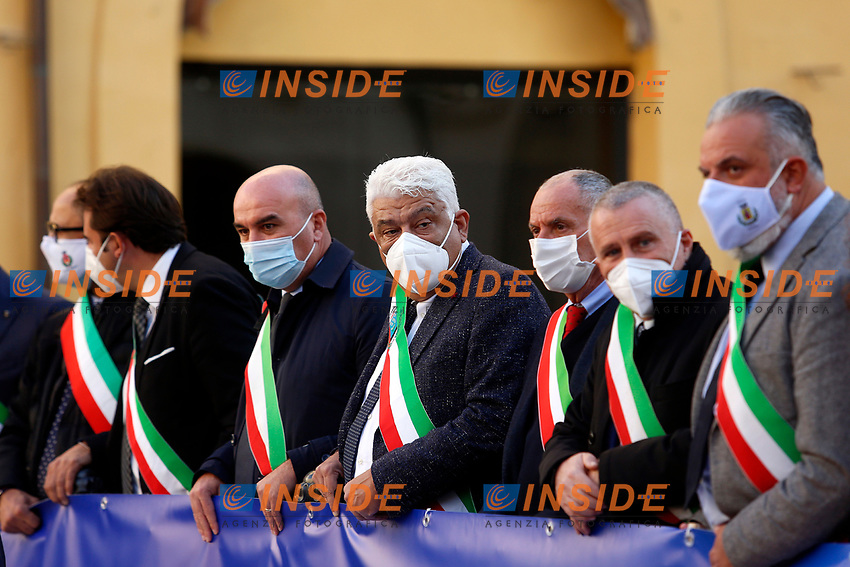 Demonstration of the Mayors of the Calabria region to ask for a better health policy for their region. In Calabria, due to heavy problems of organized crime ('Ndrangheta), has big problems with sanity and a special health commissioner was nominated by the Government to solve cover problems. Even if Calabria has less people sick with covid  than other regions, ita has few hospitals and health facilities, so that it's among the 'red regions' in complete lockdown.<br /> Rome (Italy), November 19th 2020<br /> Photo Samantha Zucchi Insidefoto