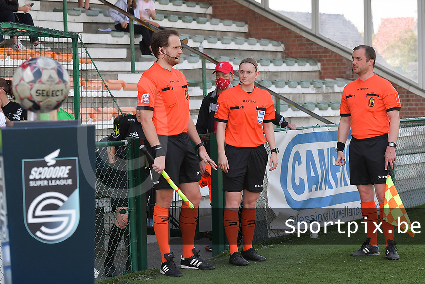 referee Viki De Cremer with assistant referee Toon Bonduel and Thomas Sanders  pictured during a female soccer game between SV Zulte - Waregem and White Star Woluwe on the 10 th and last matchday in play off 2 of the 2020 - 2021 season of Belgian Scooore Womens Super League , saturday 29 of May 2021  in Zulte , Belgium . PHOTO SPORTPIX.BE   SPP   DIRK VUYLSTEKE
