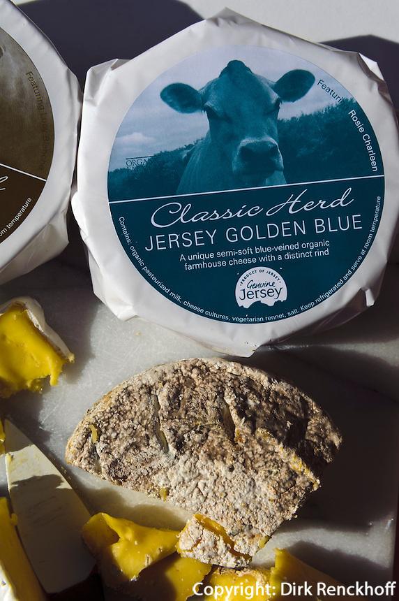 Brie-Käse im Classic Herd Farm Shop in St.Peter, Insel Jersey, Kanalinseln