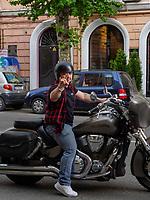Biker auf der Baratashvili  St., Batumi, Adscharien - Atschara, Georgien, Europa<br /> Biker in Batumi, Adjara,  Georgia, Europe
