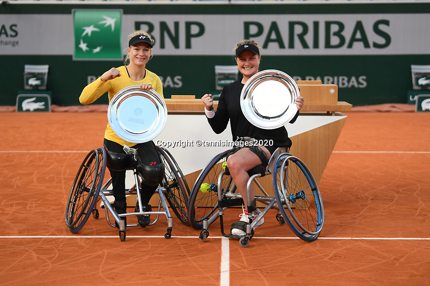 Paris, France, 10 /10/ 2020, Tennis, French Open, Roland Garros,  Womans Wheelchair Doubles: Final winners Aniek van Koot (NED) and Dide de Groot (NED)  (L)<br /> Photo: tennisimages.com