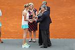 Petra Kvitova from Czech Republic receives the Mutua Madrid Open winner award in Madrid, Spain. May 09, 2015. (ALTERPHOTOS/Victor Blanco)