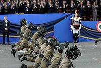Roma, 2 Giugno 2016<br /> Bersaglieri sfilano correndo davanti la tribuna delle alte cariche dello Stato.<br /> Celebrazioni e parata militare per il 70°anniversario della Repubblica italiana.<br /> Rome, June 2, 2016<br /> Celebration and military parade for the 70th anniversary of the Italian Republic