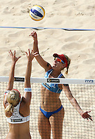Campionati mondiali di beach volley a Roma, 14 giugno 2011..April Ross, of the United States, right, in action against Czech Republic's Hana Klapalova, during the Beach Volleyball World Championship in Rome, 14 june 2011..UPDATE IMAGES PRESS/Riccardo De Luca