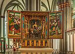 Deutschland, Nordrhein-Westfalen, Xanten: ehemalige Stiftskirche St. Viktor (Xantener Dom) - der Martinusaltar von 1477 | Germany, Northrhine-Westphalia, Xanten: Xanten cathedral - Martinus Altar of1477