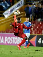 BOGOTA - COLOMBIA - 30-07-2016: Luis F Chara, jugador de Rionegro Aguilas, en acción, durante partido de la fecha 6 entre Millonarios y Rionegro Aguilas, de la Liga Aguila II-2016, jugado en el estadio Nemesio Camacho El Campin de la ciudad de Bogota.  / Luis F Chara, player of Rionegro Aguilas,  in action during a match between Millonarios and Rionegro Aguilas, for the date 6 of the Liga Aguila II-2016 at the Nemesio Camacho El Campin Stadium in Bogota city, Photo: VizzorImage / Luis Ramirez / Staff.