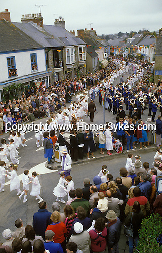 Helston Furry dance May 8th Cornwall. Childrens dance.