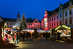 Germany, Bavaria, Upper Palatinate, Regensburg: romantic Christmas Market at Castle Thurn and Taxis | Deutschland, Bayern, Oberpfalz, Regensburg: romantischer Christkindlmarkt im Schlosshof des Stammschlosses Thurn und Taxis
