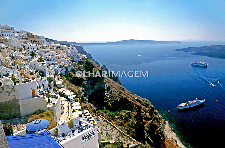 Cidade de Fira na Ilha de Santorini. Grécia. 2000. Foto de Renata Mello.