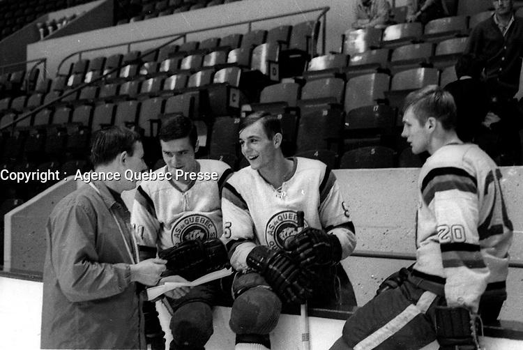 Guy Lafleur et Les AS de QUEBEC <br /> (date inconnue entre le 20 Sept. et 6 Octobre 1969)<br /> <br /> <br /> PHOTO : Agence Quebec Presse