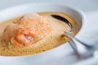 Europe/France/Bretagne/29/Finistère/Nevez:Crevettes bouquets avec royale de foie gras  recette de Patrick Le Guen  de l' Hôtel-restaurant  Ar Men Du,  Raguenez Plage