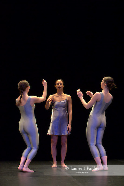 Chansons de nuit de Dominique BAGOUET<br /> 1er Prix de chorégraphie, 1976<br /> Durée : 12 minutes<br /> Distribution - 1976<br /> Interprètes : Bénédicte BILLIET, Douchka LANGHOFER, Yvonne STAEDLER<br /> Musique : Piotr Illich TCHAIKOVSKI, interprétée par Galina VICHNIEVSKAÏA,<br /> soprano et Mtislav ROSTROPOVITCH, piano<br /> Costumes : Christine LE MOIGNE<br /> Lumières : Rémi NICOLAS<br /> Distribution - 2009<br /> Pièce remontée par Sylvie GIRON, membre des Carnets Bagouet<br /> Interprètes : Marie BARBOTTIN, Léa LANSADE, Francesca ZIVIANI