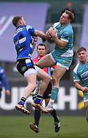 20th March 2021; Recreation Ground, Bath, Somerset, England; English Premiership Rugby, Bath versus Worcester Warriors; Perry Humphreys of Worcester Warriors competes in the air with Ruaridh McConnochie of Bath
