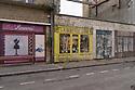 Cerbourg - Normandia, 31 agosto 2020. Mercerie, epicerie, la porte bleue...