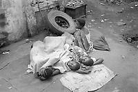 - Mozambique 1993, street children in the capital Maputo<br /> <br /> - Mozambico 1993, bambini di strada nella capitale Maputo