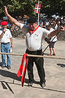 Europe/France/Aquitaine/64/Pyrénées-Atlantiques/Pays-Basque/Saint-Palais: Festival de force basque, Tir à la corde: Soka tira  [Non destiné à un usage publicitaire - Not intended for an advertising use]