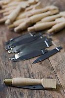 Europe/France/Aquitaine/24/Dordogne/Périgord vert/Nontron: Fabrication des couteaux de Nontron à la Coutellerie Nontronnaise - Manches et lames