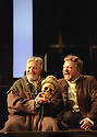 DENIS QUILLEY,SIMON RUSSELL BEALE IN HAMLET OPENS AT THE NATIONAL THEATRE ON 5/9/00 PIC GERAINT LEWIS