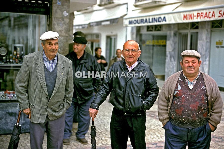 Idosos na região do Alentejo em Portugal. 1999. Foto de Juca Martins.