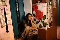 19.10.2006 Varanasi(Uttar Pradesh)<br /> <br /> Young girl in her house.<br /> <br /> Jeune fille dans sa maison.