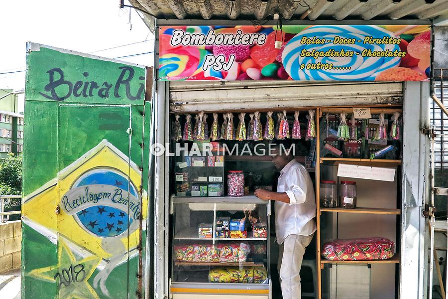 Pequeno comercio de rua. Favela Paraisópolis. Sao Paulo. 2019. Foto de Marcia Minillo.