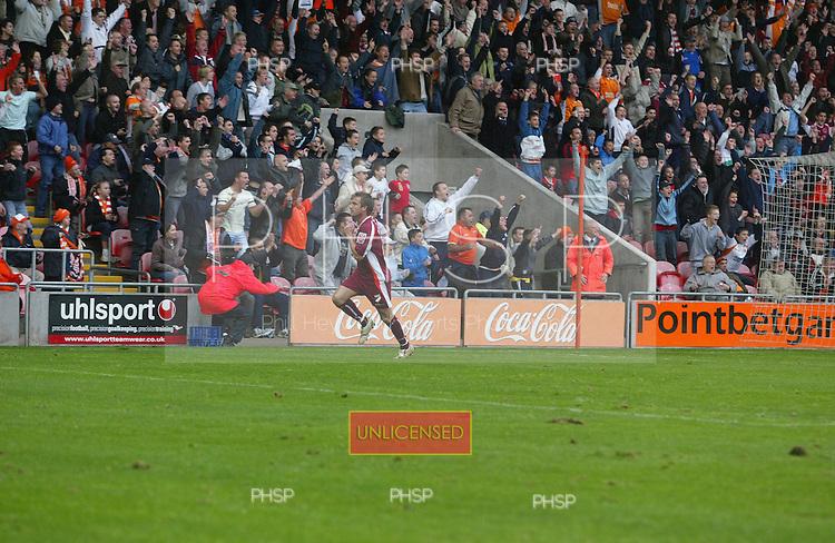 Blackpool v Bradford crop.D0470 Parker fans celeb