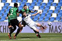 Robin Gosens of Atalanta BC scores the goal of 0-1 during the Serie A football match between US Sassuolo and Atalanta BC at Citta del Tricolore stadium in Reggio Emilia (Italy), May 2nd 2021. Photo Andrea Staccioli / Insidefoto
