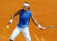 5-6-06,France, Paris, Tennis , Roland Garros, Nadal in actie tegen Hewitt
