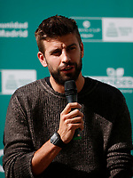 'Top ten for the world' is that from today until November 6, those who deposit ten glass or plastic bottles in the containers enabled for this purpose in Callao Square will receive a ticket to witness the Davis Cup, which begins in Madrid on November 18<br /> Gerard Pique