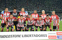 MEDELLIN -COLOMBIA, 5-MARZO-2015. Jugadores de Estudiantes de La Plata  posan para una foto previo al juego con Atletico Nacional de La Copa Bridgestone Libertadores 2015 grupo siete jugado en el estadio Atanasio Girardot de la ciudad de Medellin. / Players of  Estudiantes de La Plata pose to a photo prior the match against Atletico Nacional of the Bridgestone Libertadores Cup 2015 Group Seven played at Atanasio Girardot stadium in the city of Medellin.  Photo /VizzorImage / Leon Monsalve  / Stringer