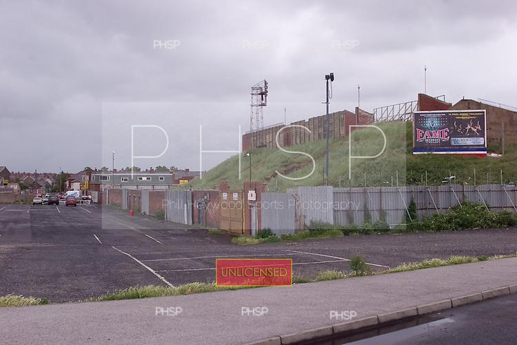 23/06/2000 Blackpool FC Bloomfield Road Ground..Kop rear.....© Phill Heywood.