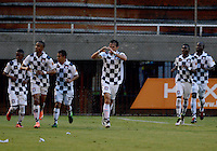 ENVIGADO -COLOMBIA-08-10-2016. Jugadores de Chicó celebran después de anotar un gol durante partido entre Envigado FC y Boyacá Chicó FC por la fecha 15 de la Liga Águila II 2016 realizado en el Polideportivo Sur de la ciudad de Envigado. / Players of Chicos after scoring a goal during match between Envigado FC and Boyaca Chico FC for the date 13 of the Aguila League II 2016 played at Polideportivo Sur in Envigado city.  Photo: VizzorImage/ León Monsalve /STR