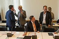 Sondersitzung Innenausschuss des Berliner Abgeordnetenhauses am Montag den 17. September 2018.<br /> Die Oppositionsfraktionen CDU und FDP hatten die Sitzung beantragt, da sie die Ernennung der frueheren Polizei-Vizepraesidentin Margarete Koppers zur Generalstaatsanwaeltin scharf kritisieren. Dem InnensenatorAndreas Geisel (SPD) wird vorgeworfen, ein Disziplinarverfahren gegen die fruehere Polizei-Vizepraesidentin unterbunden zu haben. Gegen Koppers laufen Ermittlungen Wegen der vergifteten Polizei-Schiessstaende. Ihr wird vorgeworfen, als Polizei-Vizepraesidentin zu wenig gegen die schadstoffbelasteten Schiessstaende getan zu haben. Erst Anfang September starb ein Schiesstrainer.<br /> Im Bild vlnr.: Torsten Akmann, Staatssekretaer der Senatsinnenverwaltung; Peter Trapp, Ausschussvorsitzender, CDU; Innensenator Andreas Geisel, SPD; Benedikt Lux, Gruene.<br /> 17.9.2018, Berlin<br /> Copyright: Christian-Ditsch.de<br /> [Inhaltsveraendernde Manipulation des Fotos nur nach ausdruecklicher Genehmigung des Fotografen. Vereinbarungen ueber Abtretung von Persoenlichkeitsrechten/Model Release der abgebildeten Person/Personen liegen nicht vor. NO MODEL RELEASE! Nur fuer Redaktionelle Zwecke. Don't publish without copyright Christian-Ditsch.de, Veroeffentlichung nur mit Fotografennennung, sowie gegen Honorar, MwSt. und Beleg. Konto: I N G - D i B a, IBAN DE58500105175400192269, BIC INGDDEFFXXX, Kontakt: post@christian-ditsch.de<br /> Bei der Bearbeitung der Dateiinformationen darf die Urheberkennzeichnung in den EXIF- und  IPTC-Daten nicht entfernt werden, diese sind in digitalen Medien nach §95c UrhG rechtlich geschuetzt. Der Urhebervermerk wird gemaess §13 UrhG verlangt.]
