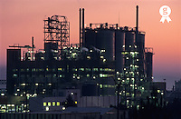 France, Berre l'Etang, illuminated petroleum refinery at sunset (Licence this image exclusively with Getty: http://www.gettyimages.com/detail/sb10066434f-001 )