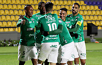 PASTO-COLOMBIA, 10-10-2020: Agustin Palavecino de Deportivo Cali, celebra con sus compañeros de equipo despues de anotar gol de su equipo, durante partido de la fecha 13 entre Deportivo Pasto y Deportivo Cali por la Liga BetPlay DIMAYOR 2020 jugado en el estadio Departamental Libertad de la ciudad de Pasto. / Agustin Palavecino of Deportivo Cali, celebrates with his teammates after scoring goal of his team, during a match of the 13th date between Deportivo Pasto and Deportivo Cali for the BetPlay DIMAYOR League 2020 played at the Departamental Libertad Stadium in Pasto city. / Photo: VizzorImage / Leonardo Castro / Cont.